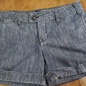 GAP Shorts - Shorts